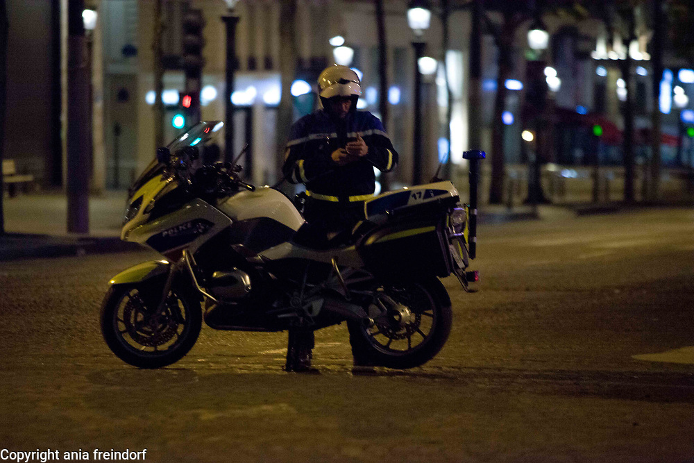 Terror Attack Champs Elysee, police officer and suspect shot dead on Champs Elysees in attack claimed by Islamic State, one tourist woman injured, another french police officer badly injured, Paris, France, french police