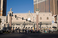Group of tourists cross the Las Vegas Boulevard, Las Vegas, Nevada. Also known as The Las Vegas Strip where many of the famous themed casinos and hotels are located.
