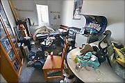 Nederland, Nijmegen, 16-8-2016Een studentenkamer in een studentenhuis in het centrum van de stad . Het is een jongenskamer die nodig opgeruimd moet worden....opruimen, schoon, vies, rommel, rommelig,puinhoop,chaos,chaotisch . Op kamers gaan. KamerbewoningFoto: Flip Franssen