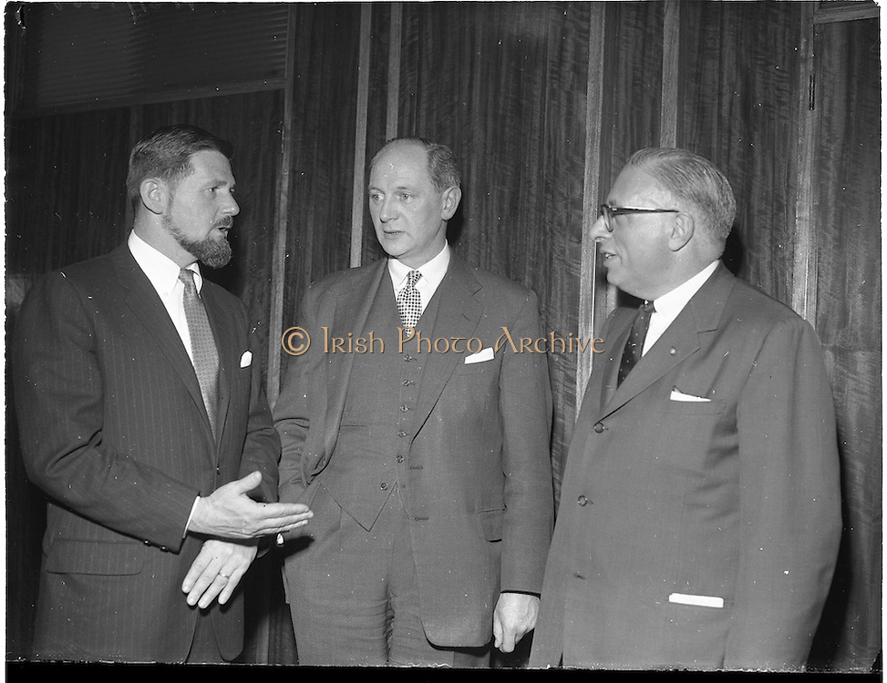 19/01/1960.01/19/1960.19 January 1960.American businessmen visit Minister Jack Lynch..W.H. Walsh, General Manager C.T.T. and Minister for Industry and Commerce Jack Lynch chatting with Cyril Magnin, President of Joseph Magnin Inc., San Fransisco, one of California's leading businessmen at the Department of Industry and Commerce.