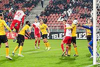 UTRECHT - Utrecht - Roda JC , Voetbal , Eredivisie, Seizoen 2015/2016 , Stadion Galgenwaard , 17-10-2015 , FC Utrecht speler Sébastien Haller (l) kopt de bal langsRoda JC keeper Benjamin Van Leer  (r) en scoort de 1-0