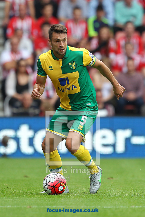 Russell Martin of Norwich in action during the Barclays Premier League match at the St Mary's Stadium, Southampton<br /> Picture by Paul Chesterton/Focus Images Ltd +44 7904 640267<br /> 30/08/2015