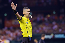 ST. LOUIS, USA - Monday, August 1, 2016: Referee Nima Saghafi during a pre-season friendly game between Liverpool and AS Roma on day twelve of the club's USA Pre-season Tour at the Busch Stadium. (Pic by David Rawcliffe/Propaganda)