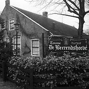 NLD/Huizen/19900114 - Beerendshoeve Visserstraat 88 Huizen ext