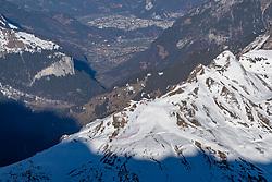 15.01.2020, Jungfraujoch, Wengen, SUI, FIS Weltcup Ski Alpin, Sightseeing Tour, im Bild Übersicht auf die Rennstrecke am Lauberhorn // overview of the race track on the Lauberhorn during a sightseeing tour of FIS ski alpine world cup at the Jungfraujoch in Wengen, Switzerland on 2020/01/15. EXPA Pictures © 2020, PhotoCredit: EXPA/ Johann Groder