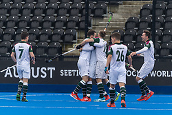 Surbiton celebrate. Surbiton v Beeston - Men's Hockey League Finals, Lee Valley Hockey & Tennis Centre, London, UK on 28 April 2018. Photo: Simon Parker