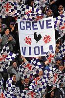 """Tifosi Fiorentina<br /> Fiorentina fans<br /> Firenze 1/5/2008 Stadio """"Artemio Franchi"""" <br /> Uefa Cup 2007/2008 Semifinals - Semifinale second Leg<br /> Fiorentina Rangers Glasgow (0-0) (2-4 a.p.)<br /> Foto Andrea Staccioli Insidefoto"""