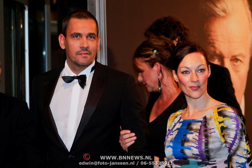 NLD/Amsterdam/20111017 - Premiere De Heineken Ontvoering, Miryanne van Reeden en partner Vito