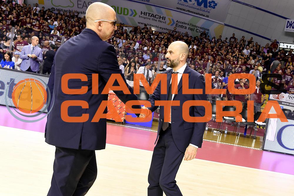 Walter De Raffaele, Maurizio Buscaglia<br /> Umana Reyer Venezia - Dolomiti Energia Aquila Basket Trento<br /> Lega Basket Serie A 2016/2017<br /> Playoff, finale gara 2<br /> Venezia, 12/06/2017<br /> Foto M.Ceretti / Ciamillo-Castoria