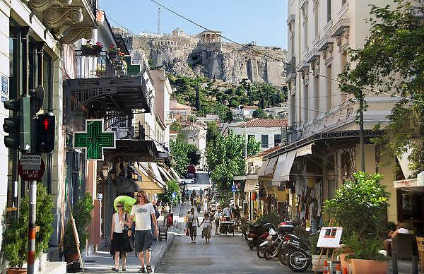 Griekenland, Athene, 5-7-2008Gezicht op de akropolis vanaf de rand van de Plaka.Foto: Flip Franssen