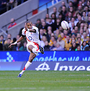 Twickenham, GREAT BRITAIN, Delon ARMITAGE, kick's a drop goal, during the Investic Challenge, England vs Australia, Autumn International at Twickenham Stadium, Surrey on Sat 15.11.2008 [Photo, Peter Spurrier/Intersport-images]
