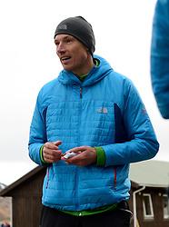 05-07-2014 NED: Iceland Diabetes Challenge dag 1, Landmannalaugar <br /> Vandaag ging de challenge van start. Met een bus gingen we van Vogar naar Landmannalaugar en zagen we de eerste tekenen van het prachtige landschap van IJsland / Bas