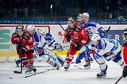 22.12.2017, Ice Rink, Znojmo, CZE, EBEL, HC Orli Znojmo vs EC VSV, 31. Runde, im Bild v.l. Adam Miller (HC Orli Znojmo) Stefan Bacher (EC VSV) Lukas Herzog (EC VSV) Stepan Csamango (HC Orli Znojmo) Dave Shields (EC VSV) Valentin Leiler (EC VSV) // during the Erste Bank Icehockey League 31th round match between HC Orli Znojmo and EC VSV at the Ice Rink in Znojmo, Czech Republic on 2017/12/22. EXPA Pictures © 2017, PhotoCredit: EXPA/ Rostislav Pfeffer