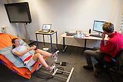 Op de TU Delft worden de drukpunten in een ligfietsstoel gemeten bij Aniek Rooderkerken, een van de twee rijdsters van het team. In september wil het Human Power Team Delft en Amsterdam, dat bestaat uit studenten van de TU Delft en de VU Amsterdam, tijdens de World Human Powered Speed Challenge in Nevada een poging doen het wereldrecord snelfietsen voor vrouwen te verbreken met de VeloX 7, een gestroomlijnde ligfiets. Het record is met 121,44 km/h sinds 2009 in handen van de Francaise Barbara Buatois. De Canadees Todd Reichert is de snelste man met 144,17 km/h sinds 2016.<br /> <br /> With the VeloX 7, a special recumbent bike, the Human Power Team Delft and Amsterdam, consisting of students of the TU Delft and the VU Amsterdam, also wants to set a new woman's world record cycling in September at the World Human Powered Speed Challenge in Nevada. The current speed record is 121,44 km/h, set in 2009 by Barbara Buatois. The fastest man is Todd Reichert with 144,17 km/h.