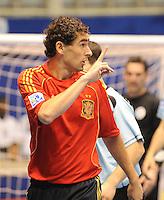 Fussball  International  FIFA  FUTSAL WM 2008   09.10.2008 Vorrunde Gruppe D Spain - Uruguay Spanien - Uruguay   TORRAS (ESP) gibt Anweisungen