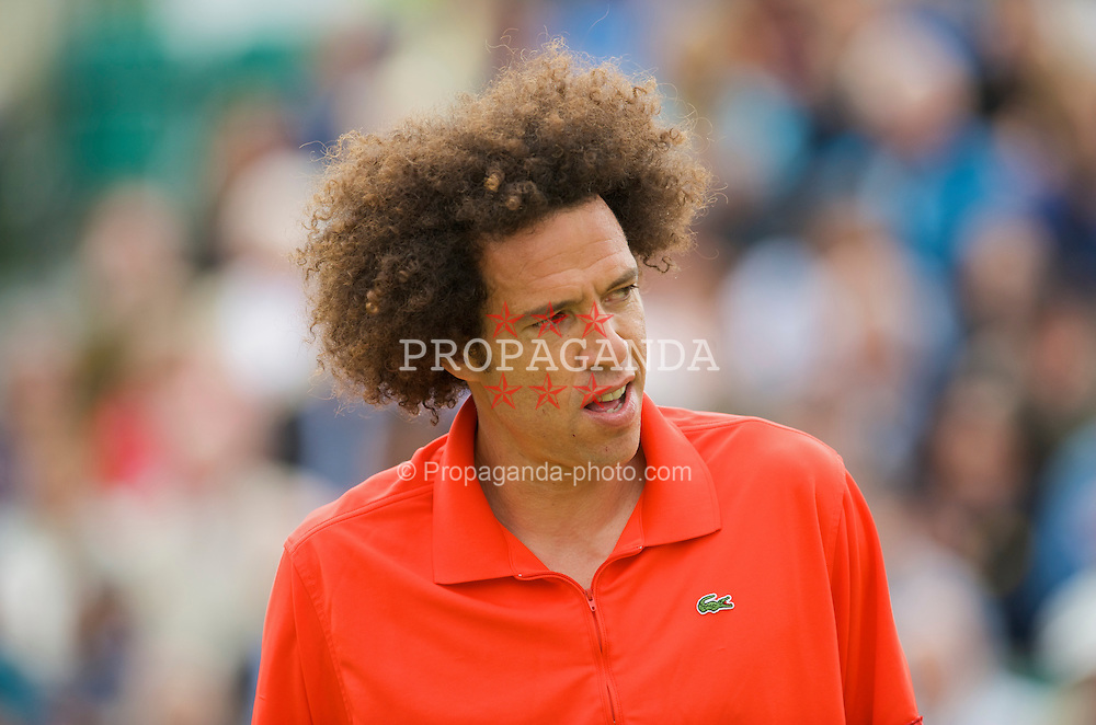LIVERPOOL, ENGLAND - Sunday, June 21, 2009: Younes El Aynaoui (MAR) during Day Five of the Tradition ICAP Liverpool International Tennis Tournament 2009 at Calderstones Park. (Pic by David Rawcliffe/Propaganda)