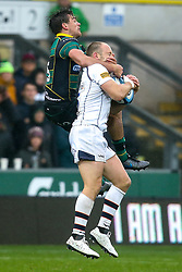 George Furbank of Northampton Saints challenges Chris Pennell of Worcester Warriors - Mandatory by-line: Robbie Stephenson/JMP - 26/10/2019 - RUGBY - Franklin's Gardens - Northampton, England - Northampton Saints v Worcester Warriors - Gallagher Premiership Rugby