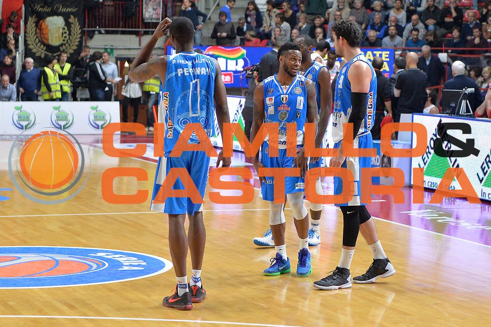 DESCRIZIONE : Varese, Lega A 2015-16 Openjobmetis Varese Dinamo Banco di Sardegna Sassari<br /> GIOCATORE : MarQuez HaynesJoe Alexander<br /> CATEGORIA : Fair Play<br /> SQUADRA : Dinamo Banco di Sardegna Sassari<br /> EVENTO : Campionato Lega A 2015-2016<br /> GARA : Openjobmetis Varese vs Dinamo Banco di Sardegna Sassari<br /> DATA : 26/10/2015<br /> SPORT : Pallacanestro <br /> AUTORE : Agenzia Ciamillo-Castoria/I.Mancini<br /> Galleria : Lega Basket A 2015-2016 <br /> Fotonotizia : Varese  Lega A 2015-16 Openjobmetis Varese Dinamo Banco di Sardegna Sassari<br /> Predefinita :