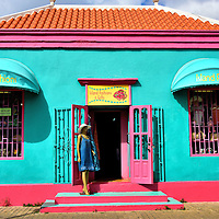 Shopping For Local Fashion and Art in Kralendijk, Bonaire <br /> It is not much fun to travel far from home only to purchase items available at home. So explore a few of the specialty shops in Kralendijk. Island&rsquo;s Fashions offers swimsuits and sunglasses, essential items for your vacation in Bonaire. Entrepreneur residents sell their crafts from tents in Plaza Wilhelmina. You might also enjoy the Jan and Richter art galleries. They feature works by local artists.