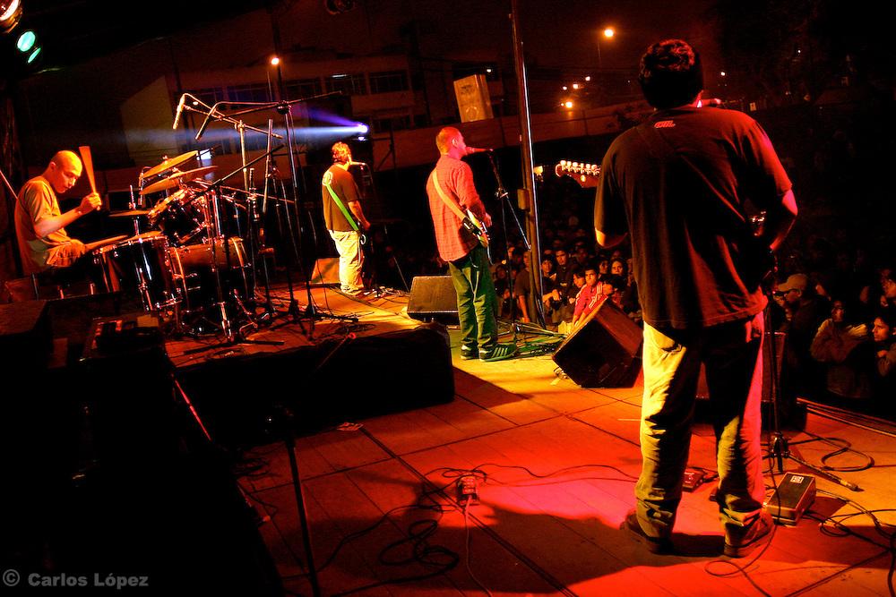 THE ROCK BAND OF RAFO RAEZ Y LOS PARANOIAS
