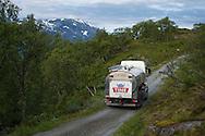 Tine Stølsmjølk, Vang i Valdres. Leirhol Støl. Tankbil som henter melk.