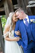 favourite wedding photos from Jacinda & Jesse's sweet summer Whistle Bear wedding