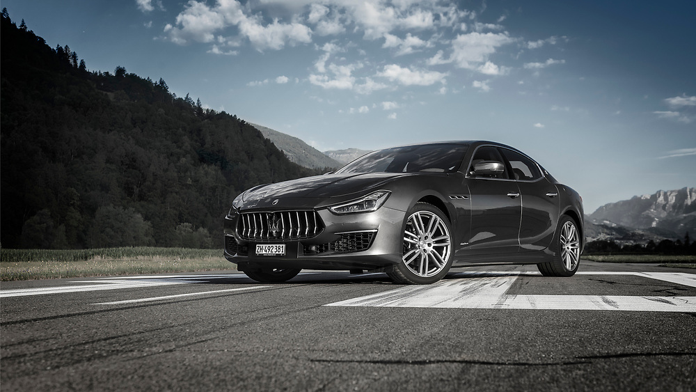 Maserati Ghibli Gran Lusso SQ4, photographed on the airfiel in Bad Ragaz Switzerland by Jürg Kaufmann