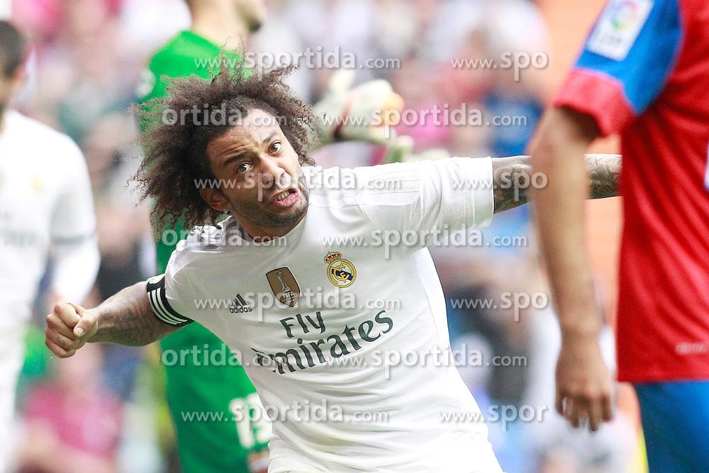 17.10.2015, Estadio Santiago Bernabeu, Madrid, ESP, Primera Division, Real Madrid vs Levante UD, 8. Runde, im Bild Real Madrid's Marcelo Vieira celebrates goal // during the Spanish Primera Division 8th round match between Real Madrid and Levante UD at the Estadio Santiago Bernabeu in Madrid, Spain on 2015/10/17. EXPA Pictures &copy; 2015, PhotoCredit: EXPA/ Alterphotos/ Acero<br /> <br /> *****ATTENTION - OUT of ESP, SUI*****