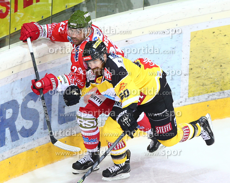 09.10.2015, Albert Schultz Eishalle, Wien, AUT, EBEL, UPC Vienna Capitals vs HC Bozen, 9. Runde, im Bild Alexander Foster (HC Bozen) und Troy Milam (UPC Vienna Capitals) // during the Erste Bank Icehockey League 9th Round match between UPC Vienna Capitals and HC Bozen at the Albert Schultz Ice Arena, Vienna, Austria on 2015/10/09. EXPA Pictures © 2015, PhotoCredit: EXPA/ Thomas Haumer