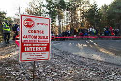 14.01.2014, Shakedownstrecke, Monte Carlo, FRA, FIA, WRC, Rallye Monte Carlo, Shakedown, im Bild Feature, Warnschild // during the Shakedown of FIA Rallye Monte Carlo held near Monte Carlo, France on 2014/01/14. EXPA Pictures © 2014, PhotoCredit: EXPA/ Eibner-Pressefoto/ Neis<br /> <br /> *****ATTENTION - OUT of GER*****