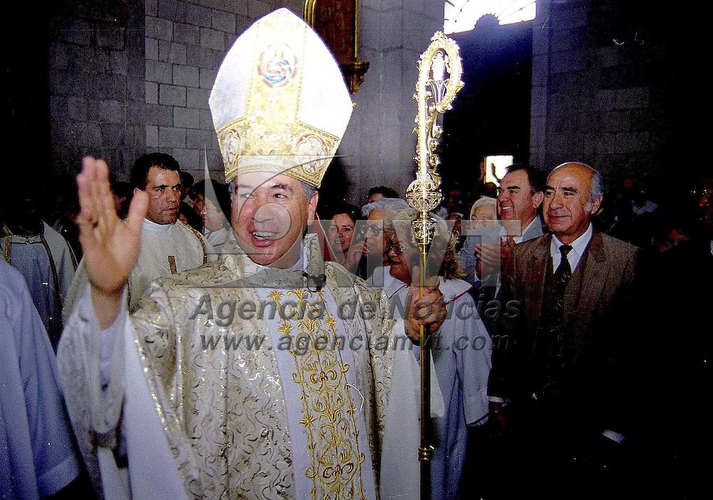 Toluca, Méx.- Francisco Robles Ortega obispo de la diócesis de Toluca celebró hoy 25 años de vida pastoral. Agencia MVT/ Mario B. Arciniega