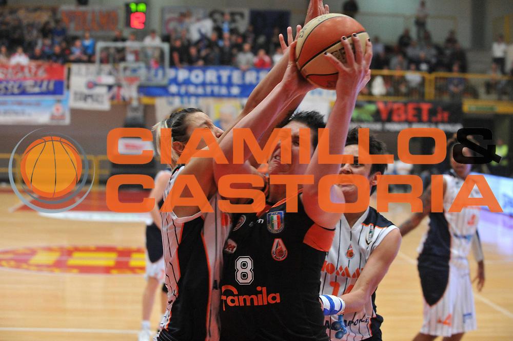 DESCRIZIONE : Schio Vicenza Lega A1 Femminile 2011-12 Coppa Italia Semifinale Famila Wuber Schio Liomatic Umbertide<br /> GIOCATORE : panel mccarville<br /> CATEGORIA : tiro<br /> SQUADRA :Famila Wuber Schio Liomatic Umbertide<br /> EVENTO : Campionato Lega A1 Femminile 2011-2012 <br /> GARA : Famila Wuber Schio Liomatic Umbertide<br /> DATA : 17/03/2012 <br /> SPORT : Pallacanestro <br /> AUTORE : Agenzia Ciamillo-Castoria/M.Gregolin<br /> Galleria : Lega Basket Femminile 2011-2012 <br /> Fotonotizia : Schio Vicenza Lega A1 Femminile 2011-12 Coppa Italia Semifinale Famila Wuber Schio Liomatic Umbertide<br /> Predefinita :
