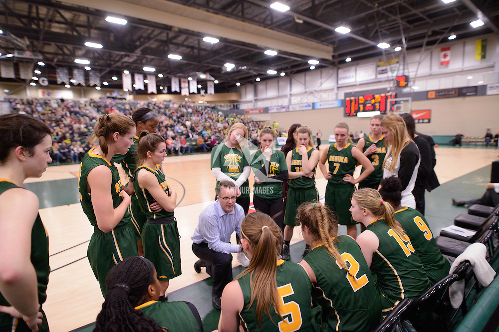 Head Coach Dave Taylor of the Regina Cougars in action during the home game on January  28 at Centre for Kinesiology, Health and Sport. Credit: Arthur Ward/Arthur Images
