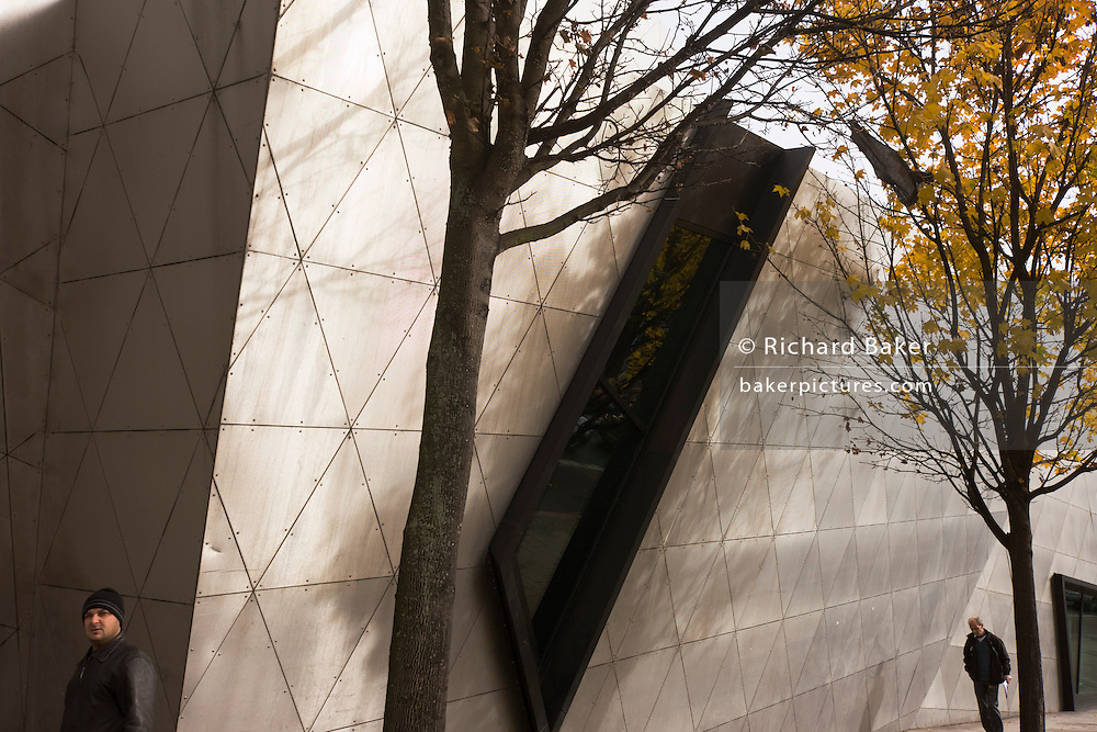 Exterior of the Daniel Libeskind designed London Metropolitan University's modern Graduate Centre...