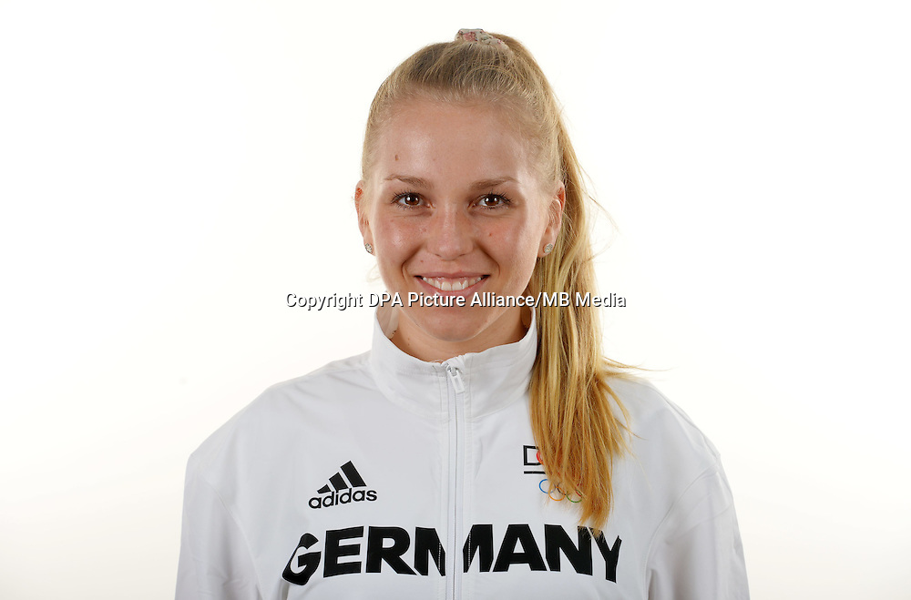 Emma Hinze poses at a photocall during the preparations for the Olympic Games in Rio at the Emmich Cambrai Barracks in Hanover, Germany. July 06, 2016. Photo credit: Frank May/ picture alliance. | usage worldwide