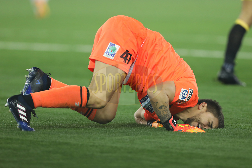 Xabier Lruetaguena of Delhi Dynamos FC react after injurd during match 43 of the Hero Indian Super League between Delhi Dynamos FC and Kerala Blasters FC  held at the Jawaharlal Nehru Stadium, Delhi, India on the 10th January 2018<br /> <br /> Photo by: Arjun Singh  / ISL / SPORTZPICS