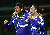Fotball<br /> Bundesliga<br /> 04.02.07<br /> Werder Bremen - FC Schalke 04<br /> Jubel Schalke Kevin Kuranyi, Peter Loevenkrands<br /> DIGITALSPORT / NORWAY ONLY