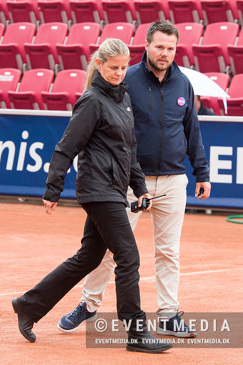 Mariana Alves, WTA Chief Supervisor, and Christian Rask (Chair Umpire) at the 2017 WTA Ericsson Open in Båstad, Sweden, July 29, 2017. Photo Credit: Katja Boll/EVENTMEDIA.