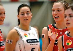 01-02-2007 VOLLEYBAL: PLANTINA LONGA - USSP ALBI: LICHTENVOORDE<br /> De ploeg uit Lichtenvoorde, die vorig jaar het brons veroverde in deze Europese competitie, won gisteravond in de eigen hal met 3-0 van het Franse USSP Albi (25-18, 25-15, 25-19) / Myrthe Schoot<br /> ©2007-WWW.FOTOHOOGENDOORN.NL