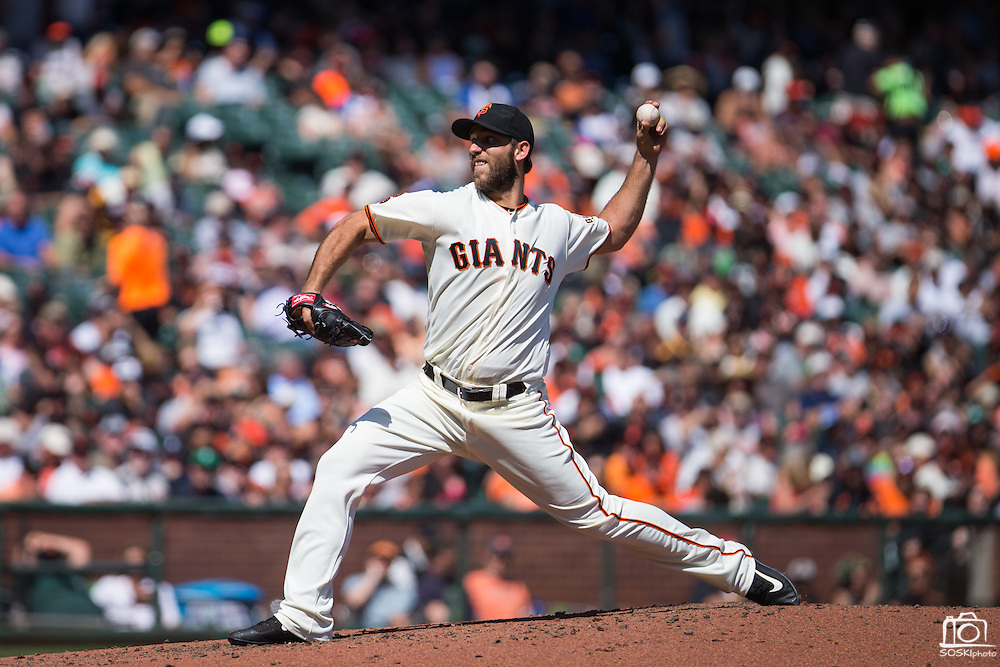 San Francisco Giants starting pitcher Madison Bumgarner (40) pitches against the San Diego Padres at AT&T Park in San Francisco, Calif., on September 14, 2016. (Stan Olszewski/Special to S.F. Examiner)