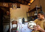 Esmeraldas_MG, Brasil...Futebol na comunidade rural da Laginha em Esmeraldas, Minas Gerais...The field in the rural community Laginha in Esmeraldas, Minas Gerais. ..Foto: JOAO MARCOS ROSA / NITRO