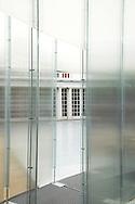 SERPENTINE PAVILION 2006, LONDON, W2 PADDINGTON, UK, REM KOOLHAAS - OFFICE FOR METROPOLITAN ARCHITECTURE, INTERIOR, DETAIL OF POLLYCARBONATE WALL