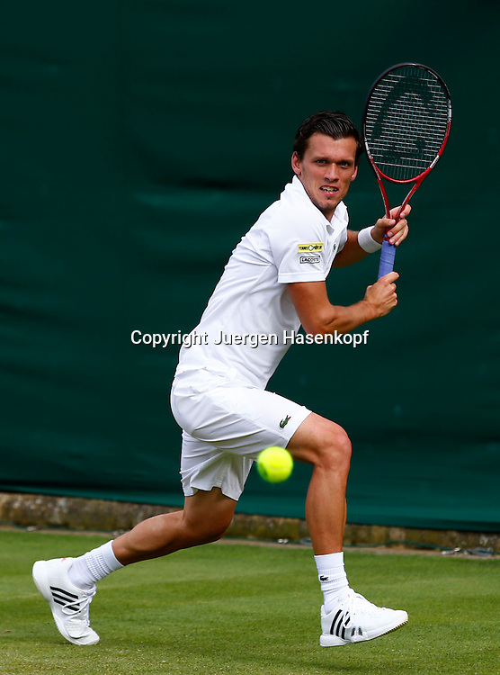 Wimbledon Championships 2013, AELTC,London,<br /> ITF Grand Slam Tennis Tournament, Tobias Kamke (GER),Aktion,Einzelbild,<br /> Ganzkoerper,Hochformat,