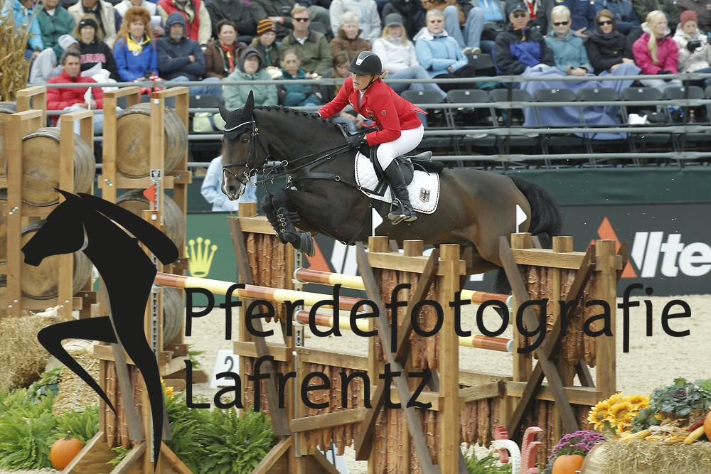 MEYER Janne-Friederike, Cellagon Lambrasco<br /> Kentucky - Alltech FEI WEG 2010<br /> /Stefan Lafrentz