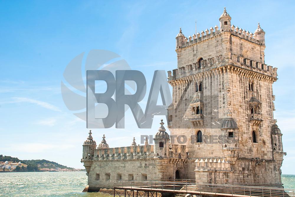 liSBOA-PORTUGAL, 13.08.2012 - A Torre de Belém, monumento construído na margem norte do Rio Tejo entre 1514 e 1520, durante o reinado de D. Manuel I, com fins militares. Um dos símbolos de Portugal, foi considerada pela UNESCO Patrimônio Cultural da Humanidade.   (Bete Marques/Brazil Photo Press)