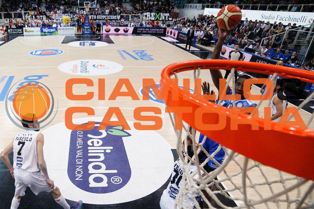 DESCRIZIONE : Trento Lega A 2015-16 Dolomiti Energia Trentino - Banco di Sardegna Sassari<br /> GIOCATORE : Jarvis Varnado<br /> CATEGORIA : Tiro<br /> SQUADRA : Dolomiti Energia Trentino - Banco di Sardegna Sassari<br /> EVENTO : Campionato Lega A 2015-2016<br /> GARA : Dolomiti Energia Trentino - Banco di Sardegna Sassari<br /> DATA : 26/03/2016<br /> SPORT : Pallacanestro <br /> AUTORE : Agenzia Ciamillo-Castoria/G. Contessa<br /> Galleria : Lega Basket A 2015-2016 <br /> Fotonotizia : Trento Lega A 2015-16 Dolomiti Energia Trentino - Banco di Sardegna Sassari