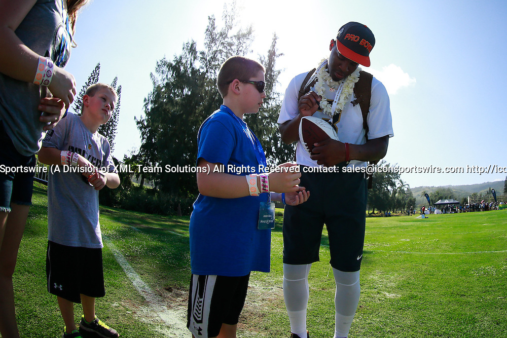 January 29 2016: Team Irvin Jameis Winston signs autographs after todays Pro Bowl practice at Turtle Bay Resort on Oahu, HI. (Photo by Aric Becker/Icon Sportswire)