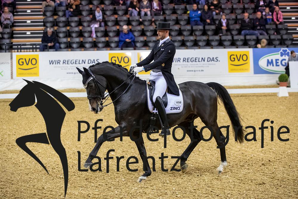 HERMES Marcus (GER), ZINQ Abegglen FH<br /> Oldenburg - AGRAVIS-Cup 2018<br /> Grand Prix de Dressage<br /> 02. November 2018<br /> © www.sportfotos-lafrentz.de/Stefan Lafrentz