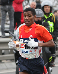 15.04.2012, Wien, AUT, Vienna City Marathon 2012, im Bild Haile Gebrselassie // during the Vienna City Marathon 2012, Vienna, Austria on 15/04/2012,  EXPA Pictures © 2012, PhotoCredit: EXPA/ Stephan Woldron