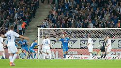 10.09.2010, Rhein-Neckar-Arena, Sinsheim, GER, 1. FBL, TSG Hoffenheim vs Schalke 04, im Bild Isaac Vorsah (Hoffenheim GHA #25) ueberwindet Manuel Neuer (Schalke #1), EXPA Pictures © 2010, PhotoCredit: EXPA/ nph/  Roth+++++ ATTENTION - OUT OF GER +++++ / SPORTIDA PHOTO AGENCY